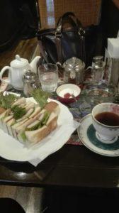 大阪本町の濱田屋のランチセット。カツサンドとコーヒーのセットです。