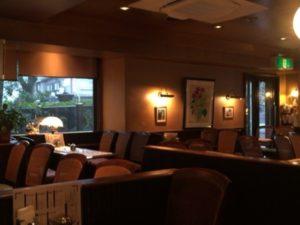大阪本町の【自家焙煎珈琲 濱田屋】は、東横堀川沿いにあるオフィス街のオアシスです!店内の様子です!
