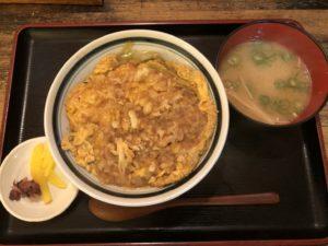 大阪で出前なら小雀弥がおすすめ。たぬき丼