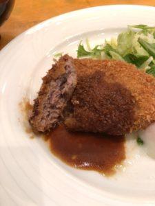 大阪谷町の洋食家 ふじ家のミンチカツランチの断面図